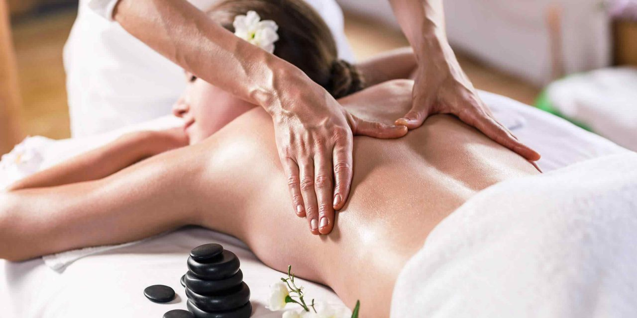 http://ritassalonandspa.co/wp-content/uploads/2018/10/spa-massage-17-1280x640.jpg